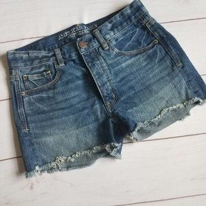 American Eagle   High Rise Distressed Shorts 2